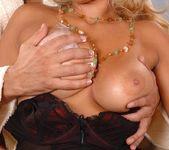Emanuelle - DDF Busty 8