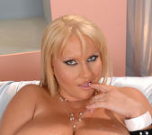 Laura M. - DDF Busty 15