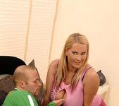 Laura M. - DDF Busty 2