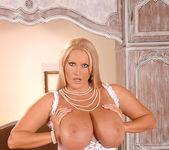 Laura M. - DDF Busty 3