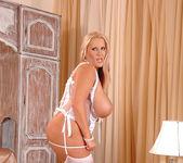 Laura M. - DDF Busty 8