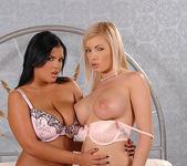 Dona Bell & Jasmine Black 4