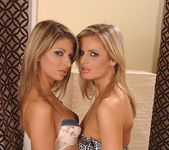 Cloe & Paloma - Euro Girls on Girls 3