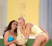 Gitta Blond & Miki - Euro Girls on Girls 2