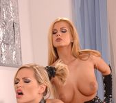 Dorothy Black & Wivien - Euro Girls on Girls 9