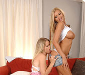 Aneta & Veronica da Souza - Euro Girls on Girls 3