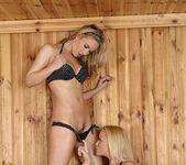 Kathia Nobili & Sophia Knight 4