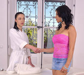 Angelik Duval & Billie Star Anal Fisting 2