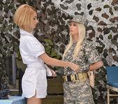 Erica Fontes & Jessie Volt 3