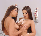Eve Angel & Zafira 4