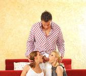 Liz Honey & Yasmine Gold 4