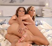 Melissa Bailey & Hanna Hunter 15