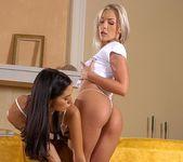 Lara Stevens & Veronica Carso 4