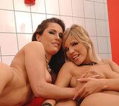 Linda Brown & Tiffany Rousso 16