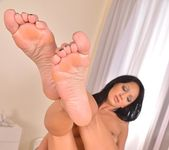 Nia Black aka Szelly - Hot Legs and Feet 13