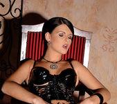 Jasmine Luna Gold - House of Taboo 9