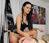 Isla & Lucia Love - House of Taboo 13