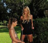 Charlotta & Chelsey Lanette 4