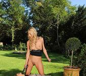 Charlotta & Chelsey Lanette 13