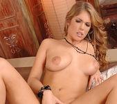 Eva Parcker & Katia De Lys 16