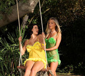 Billie Star & Chloe Lacourt 3