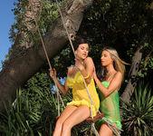 Billie Star & Chloe Lacourt 4