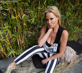Hollywood and Mine - Kelly Madison 2