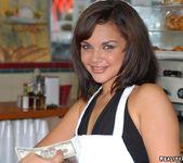 Fransheliz - Pound Cake - 8th Street Latinas 7