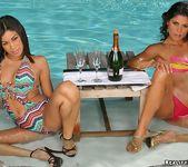 Summer Bailey & Paola Rey - Amor Caliente 3
