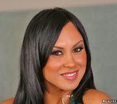 Mariah - Cara Linda - 8th Street Latinas 2