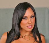 Mariah - Cara Linda - 8th Street Latinas 4