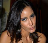 Kenia - Viva Cuba - 8th Street Latinas 6