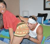Luccia - Dame Gasolina - 8th Street Latinas 3