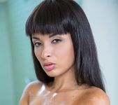 Anissa - Shake Something - Big Naturals 3