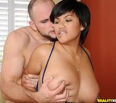 Reina - Big And Bouncy - Big Naturals 6