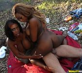Tori Taylor & Maserati - The Round Mounds - Big Naturals 8