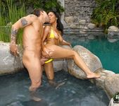 Ryaan - Mounds Of Glory - Big Naturals 9