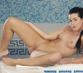 April Blue Shows Off Her Sexy Body Beside The Pool 11