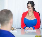 Amy Anderssen - Voluptuous Amy - CFNM Secret 3