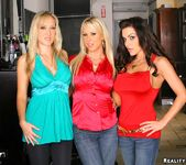 Alana Evans, Carolyn Reese, Victoria Valentino - CFNM Secret 2