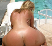 Silvia - Booty Clap - Extreme Asses 10