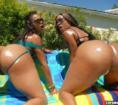 Misty Stone & Kaleah - Dubble Bubble - Extreme Asses 3
