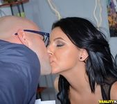 Zarreena - Licking Baz - First Time Auditions 2
