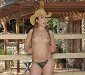 Jamie Elle - In The Outdoors - Hot Bush 2