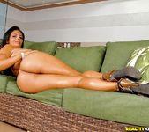 Juliana Jambo - Stripping Beauty - Mike In Brazil 3