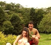 Dany Elly - Hiking Fun - Mike In Brazil 6