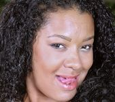 Priscila Fernandes - Frisky Poolside - Mike In Brazil 3