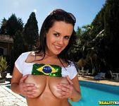 Tati Schnaider - Hump Booty - Mike In Brazil 3