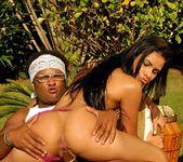 Silvia Sabatiny - Spotting Booty - Mike In Brazil 11