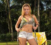 Brenda Brachto - Pussy Magnet - Mike In Brazil 4